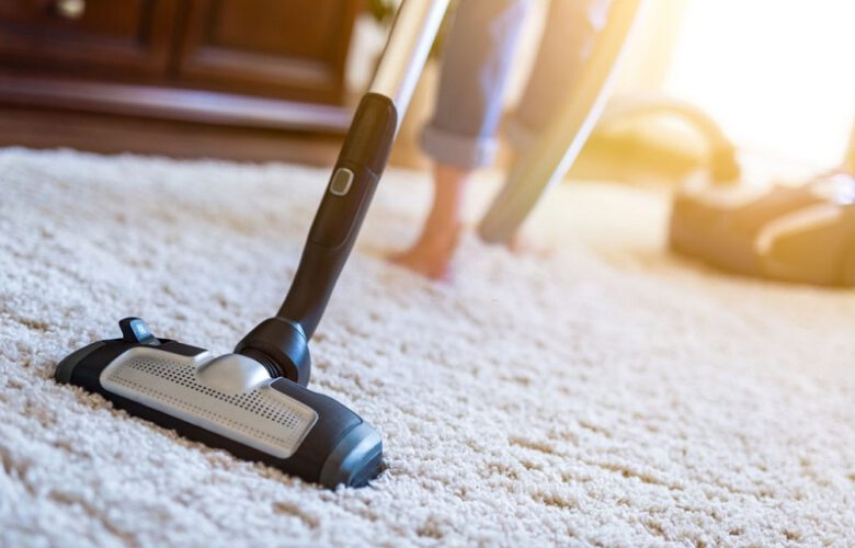 cleaning-a-carpet