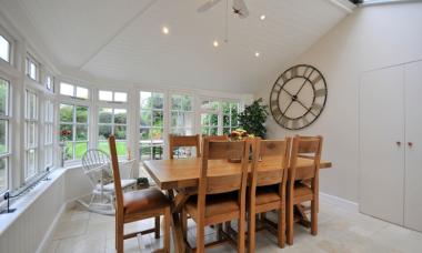 oak-dining-table